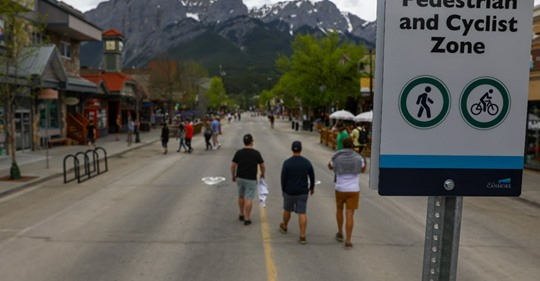 Canmore Mian Street pedestrianized
